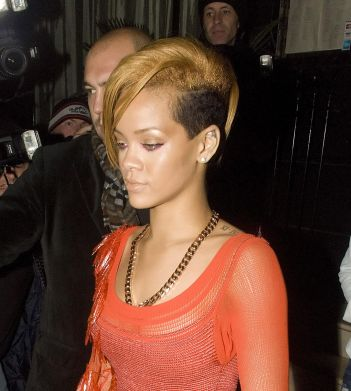 35805PCN_Rihanna