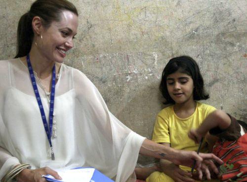 Angelina usvaja sedmo dete?