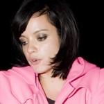 Iscrpljena Lily Allen nakon nastupa u Australiji pala na pod