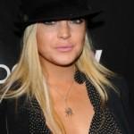 Lindsay Lohan pokazala da su od oblina na njoj ostale još jedino silikonske grudi