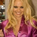 Pamela Anderson tone sve dublje: Na promociju njene modne linije došlo samo 20 ljudi