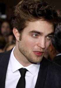 Robert Pattinson5 208x300 Robert Pattinson napokon priznao: Da, u vezi sam s Kristen Stewart!