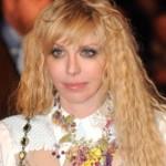 Courtney Love na Facebook profilu objavila svoj privatni broj mobilnog