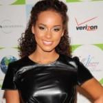 Vruća Alicia Keys ugurala obline u haljinu od lateksa