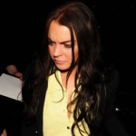 Lindsay Lohan izbačena iz kluba jer je bivšu devojku gađala čašom u glavu