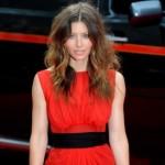 Jessica Biel zablistala u prozirnoj jarkocrvenoj haljini