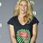 Shakira u Africi vreme do nastupa na zatvaranju SP-a provodi igrajući se sa lavićima