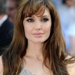 Angelina Jolie ljuta na majku Brada Pitta jer je u kontaktu s Jennifer Aniston?