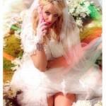 Britney Spears već se vidi u ulozi mlade: Pozirala u kičastoj venčanici