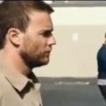 Video: Robbie Williams i Gary Barlow postali homoseksualci za potrebe spota