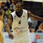 NLB liga: Partizan rasturio Zvezdu