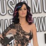 Katy Perry tera Rihannu pred oltar