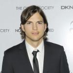 Komšija zamolio Ashtona Kutchera da prestane da mu piški u dvorište