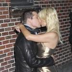 Cy Waits ljubio Paris Hilton pred brojnim fotografima, ona najavila trudnoću