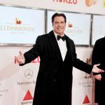 John Travolta troši hiljade dolara na obuku pasa