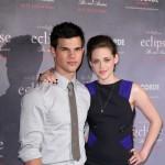 Kristen Stewart i Taylor Lautner bili evakuisani zbog cunamija