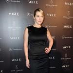 Seksi Kate Winslet rukom sakrila grudi u novoj reklami za ruž