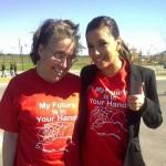 Eva Longoria sa sestrom protestuje protiv zatvaranja društvenog centra