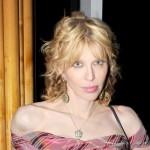 Courtney Love se navukla na drogu u kući Charlieja Sheena