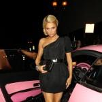 Oštećen skupoceni roze automobil Paris Hilton
