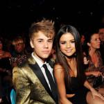 Justin Bieber i Selena Gomez se poljubili pred kamerama (video)