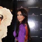 Raznobojna Kim Kardashian na promociji svog mirisa