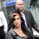 Amy Winehouse izašla iz klinike za odvikavanje, prvo dolazi u Beograd