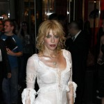 Courtney Love dobila nogu od bogatog dečka