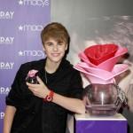 """""""Vanity Fair"""" s Justinom Bieberom na naslovnoj obara negativne rekorde časopisa"""