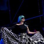 Lady GaGa pevala u invalidskim kolicima