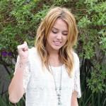 """Miley Cyrus kaže da je """"umirala od dosade"""" snimajući Hannahu Montanu"""