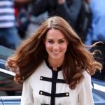 Vladarkina miljenica: kraljica obasipa Kate Middleton poklonima