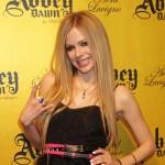 Muškarac koji je ubio majku zbog ulaznica za koncert Avril Lavigne dobio 20 godina zatvora
