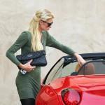 Paris Hilton se ne odvaja od svoje nove igračke