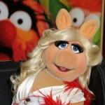 Miss Piggy prinuđena da bira između svog žapca i svog psa
