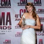 Taylor Swift osvaja lepotom i nastavlja da sakuplja muzičke nagrade