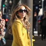 J-Lo u predivnom žutom kaputiću