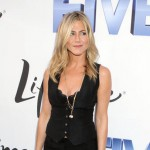 Razočarana: Umesto prstena, Jennifer Aniston dobila torbicu