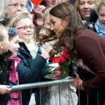 Britanci zasuli Kate Middleton cvećem i čestitkama za Dan zaljubljenih