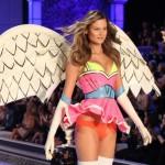 Nova devojka Adama Levinea je anđeo Victoria's Secreta