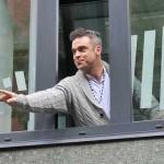 Robbie Williams otkriva da je porođaj njegove supruge pratila prava drama
