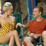 """Miley Cyrus šokirana izjavama Angusa T. Jonesa o seriji """"Dva i po muškarca"""""""