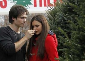 nina-dobrev-ian-somerhalder-christmas-tree-shopping-012
