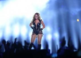 Beyonce and Destinys Child_00172