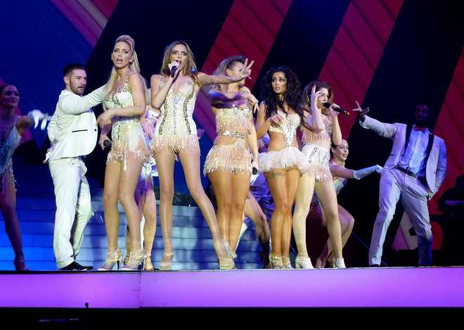 Girls_Aloud_Performance_at_TEN_Tour_in_Glasgow_March_9_2013_13-03102013091357000000