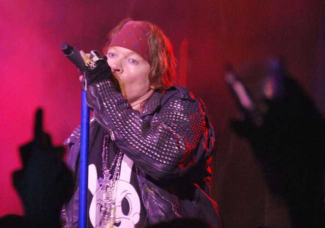NY: DELEON ROCK LOUNGE FEATURING GUNS N' ROSES