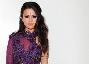 Selena Gomez, Zendaya and Brooke Burke-Charvet Backstage at Dancing With the Stars
