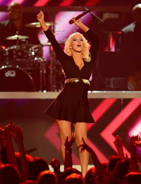 Christina_Aguilera_-_Performing_at_the_2013_Billboard_Music_Awards_19-05-2013_015
