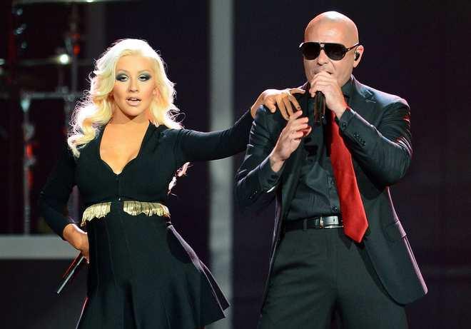 Christina_Aguilera_-_Performing_at_the_2013_Billboard_Music_Awards_19-05-2013_020