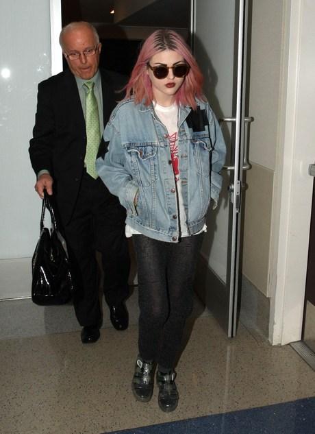 Frances Bean Cobain Departs LAX